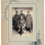FRAD059-030 Un prisonnier de guerre et un soldat courageux