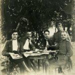 Jānis Fārts kopā ar Kijevas 2.praporščiku skolas audzēkņiem 1915.gadā