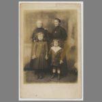 004 Photo-carte postale de Marie-Françoise Lorvellec, épouse de mon grand-père Jean Gaubicher